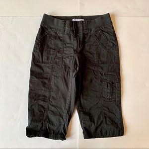 Lee Easy Fit 6 petite black Capri pants shorts